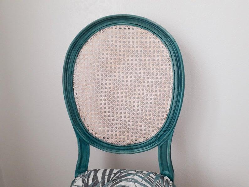 Chaise Medaillon Cannee Design Contemporain Assise Tissu D Editeur Style Louis Xvi Decoration D Interieur Deco Chambres D Hotes In 2020 Design Art Design Funny Tattoos