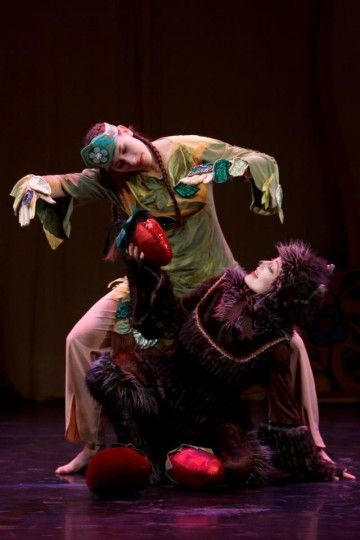Kaha:wi Dance Theater Presents Medicine Bear Mashantucket, CT #Kids #Events