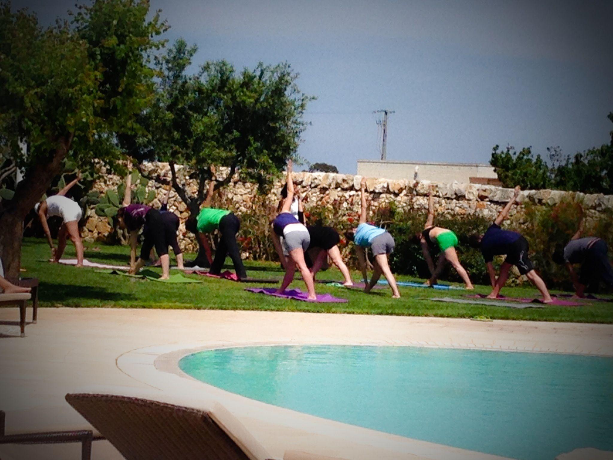 Health & Wellness on poolside Piscine