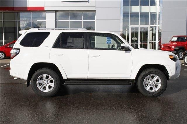 2014 toyota 4runner limited 4x4 limited 4dr suv suv 4 doors white for sale in cheboygan mi. Black Bedroom Furniture Sets. Home Design Ideas