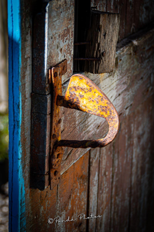 The doorway is unlocked but are you willing to travel through it  Follow 👉 #pandaphotos16 Instagram 📷 @pandaphotos16  #zante #zakynthosoffical #zakynthosgreece #divine_villages  #travelgreece #greekislands #tv_greece #lovegreece #greece_is_awesome #feelgreece #divine_ladolcevita  #life_greece #nikonphotography #igphotographia_greece  #awesome.photographers #ionianislands #the_greek_tourist #greece_countryside #iconic_greece #superhubs  #discover_greece_ #wu_greece