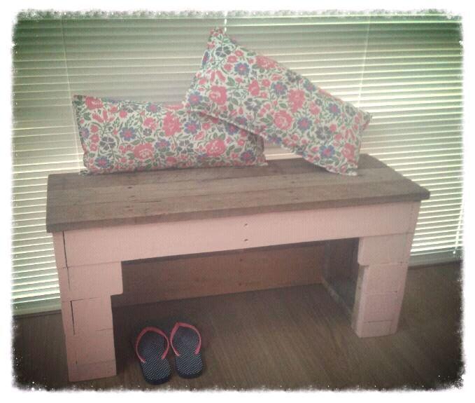 Pastel pink hall bench | Other Furniture | Gumtree Australia Wanneroo Area - Alkimos | 1088829682