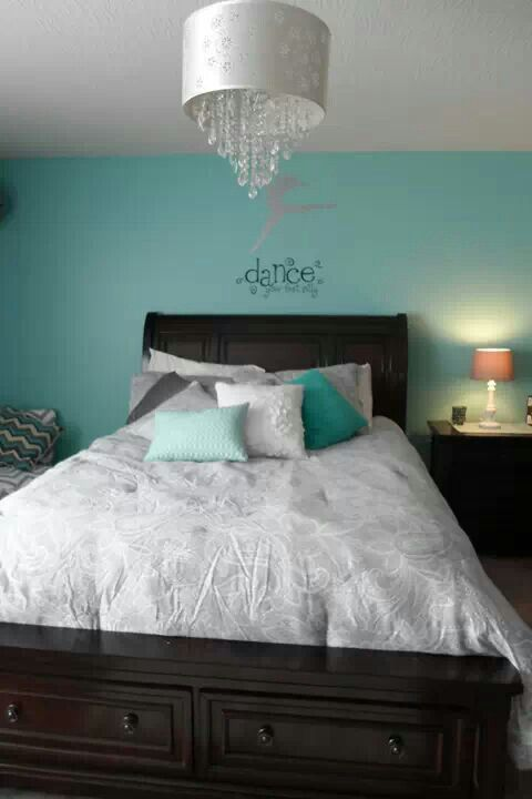 Client bedroom makeover for an 11 year old that loved Dance.