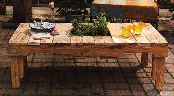 Aus Einer Europalette Bauen Wir Uns Einen Gartentisch Gartenideen