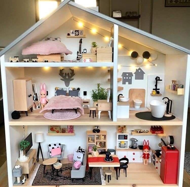 Bon Absolument Gratuit Jouets Diy Bois Astuces Maison De Poupee Ikea Avec Meubles Lidl E En 2020 Meubles Maison De Poupee Maison De Poupee En Bois Maison Sylvanian