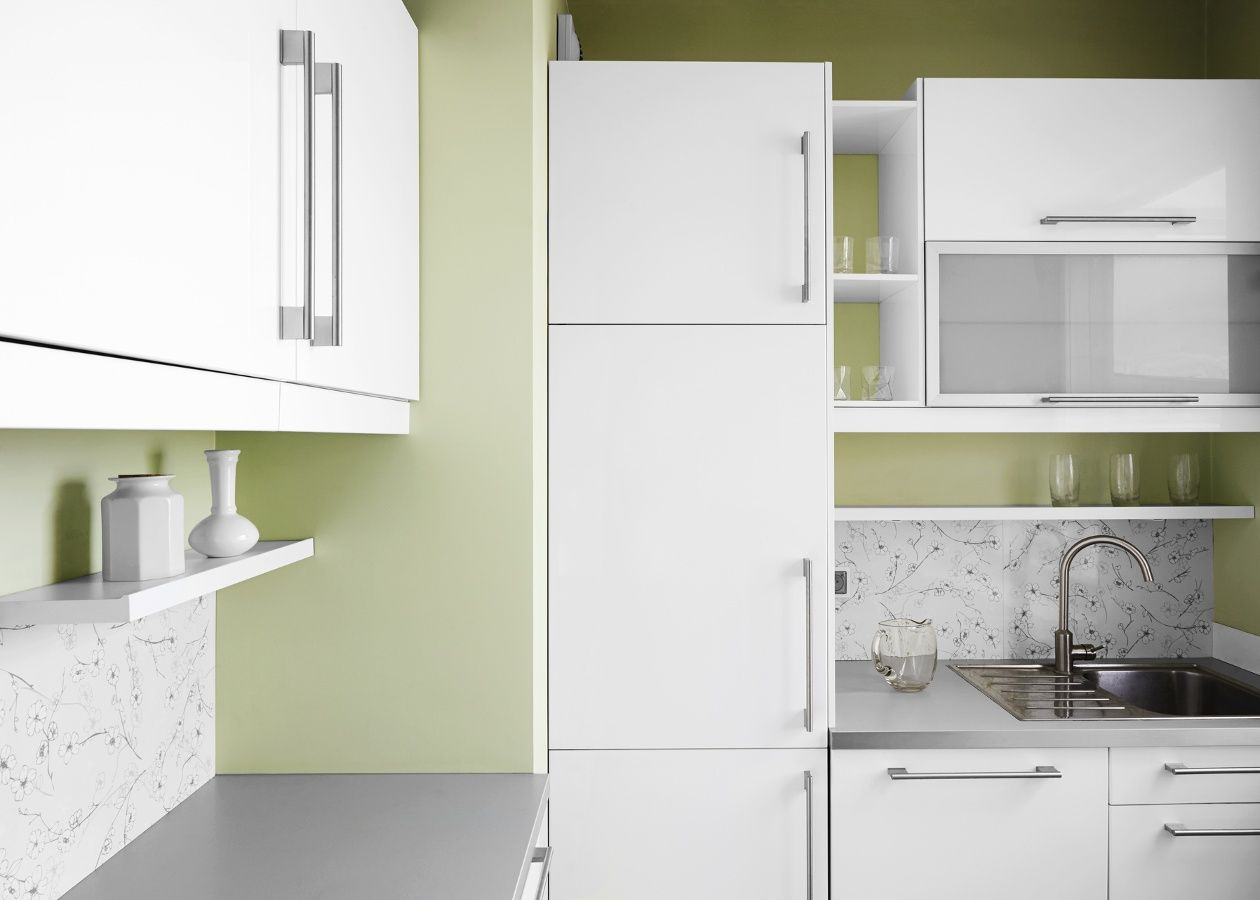 Best High Gloss White Cabinets By Rauvisio Brilliant Bianco 640 x 480