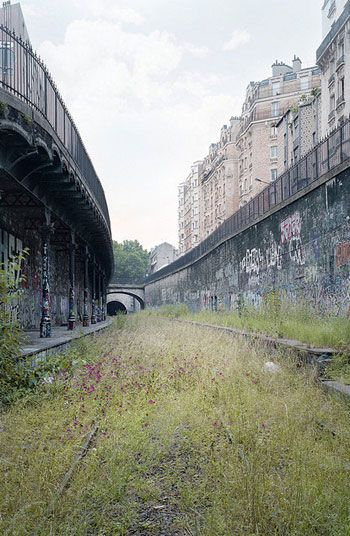 Discover Paris\' Little Belt, an Abandoned Railway ...