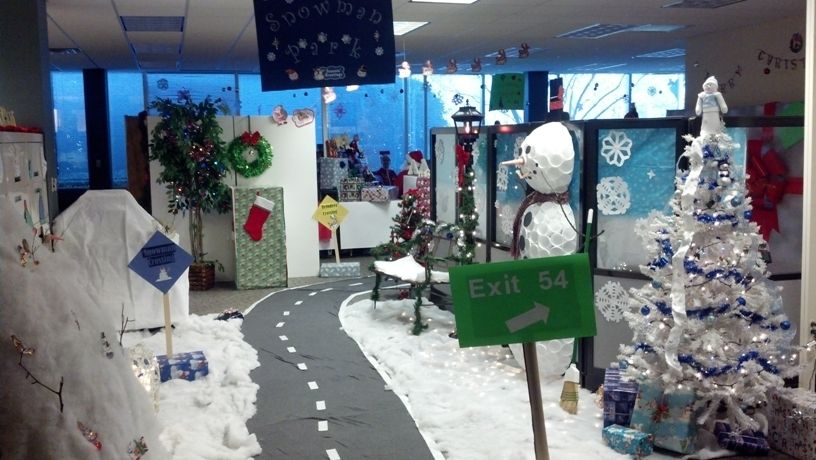 office banded together to create snowman park - Christmas Office Decorations