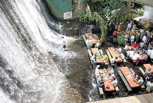 Já jantou numa cachoeira? Restaurante leva conceito de sustentabilidade ao extremo - Notícias - Marketing - Administradores.com
