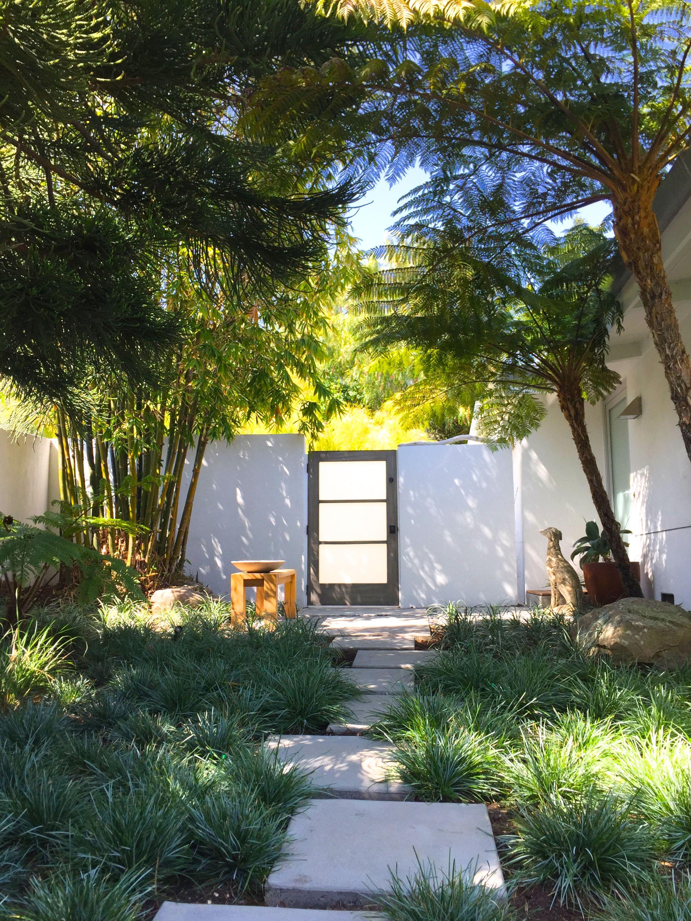 Modern garden house  imgg  pixels  The garden  Pinterest  Glass