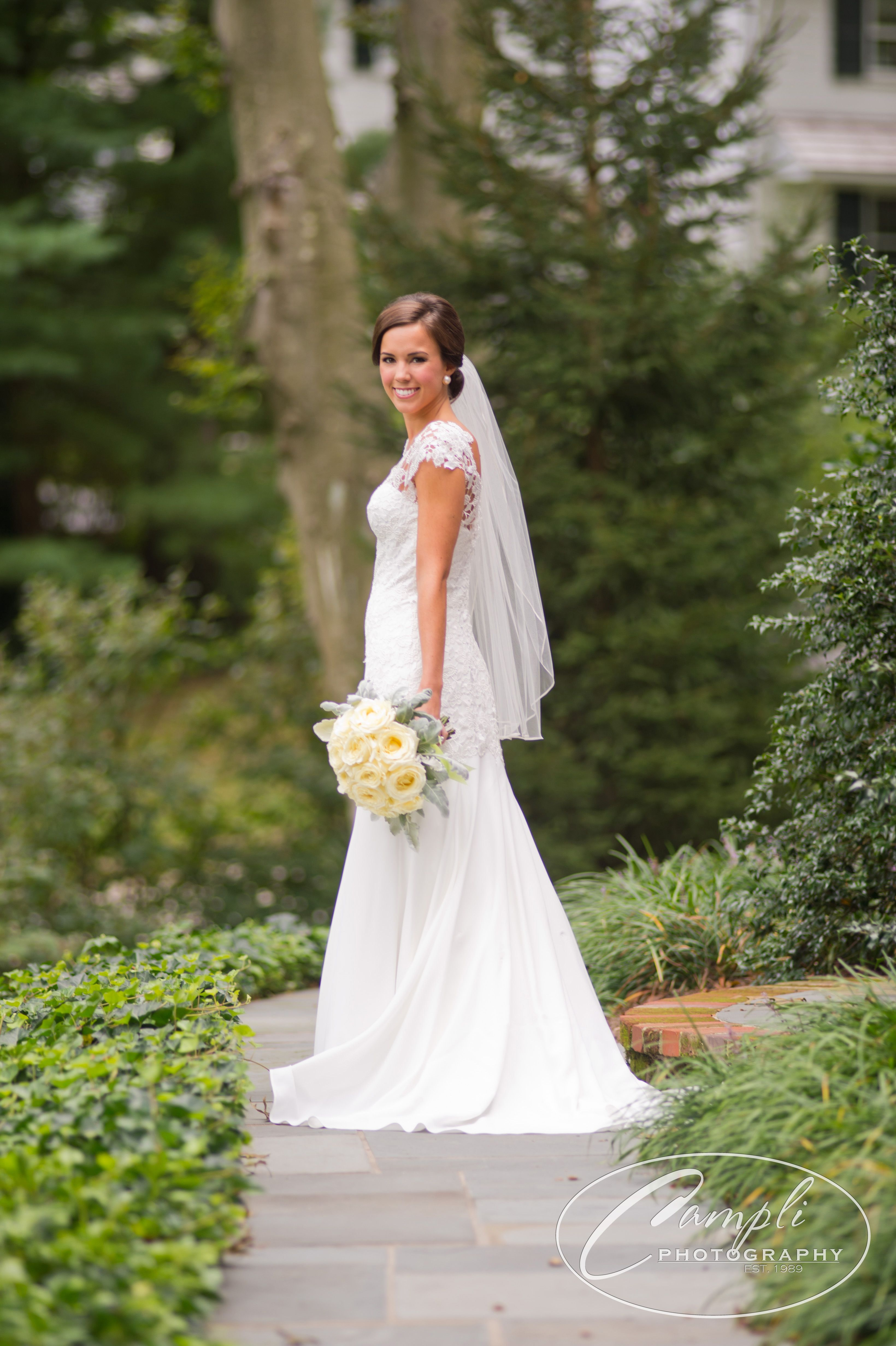Bridal Portrait Pose For Outdoors #campliphotography