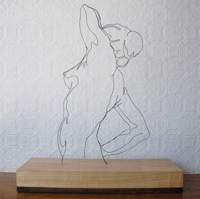 Escultura alámbrica  http://derekkinzettwiresculpture.co.uk/portfolio.html