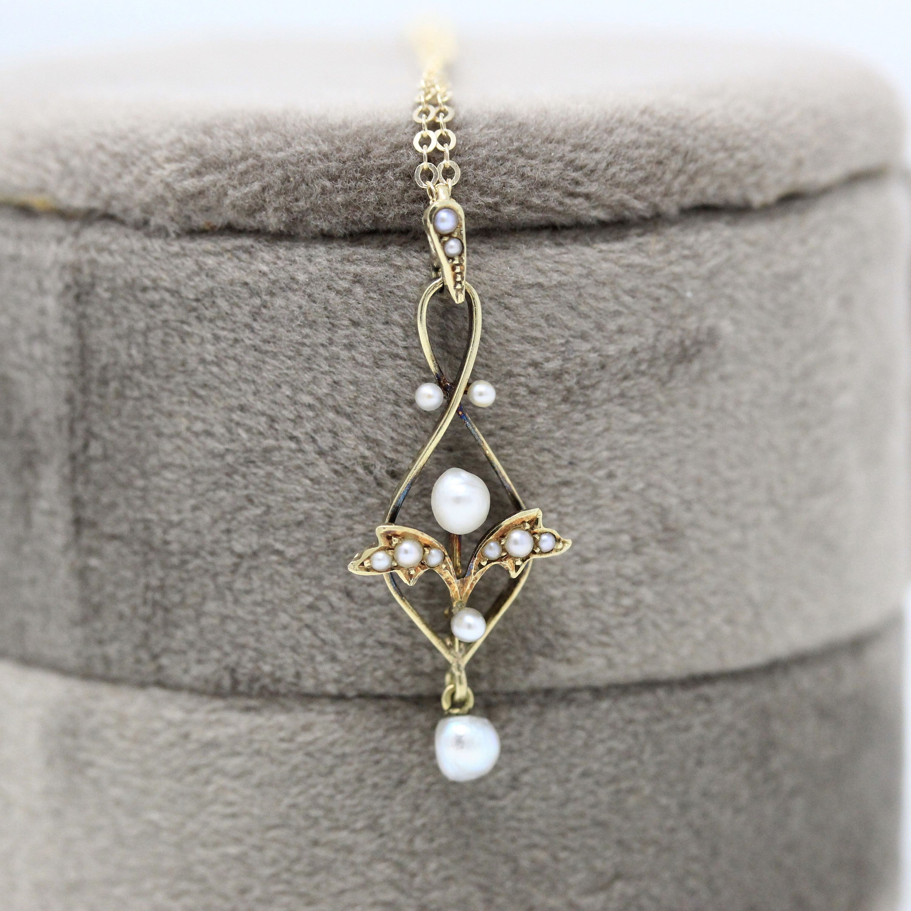 Art Deco 14K Yellow Gold DIAMOND and Seed Pearl LAVALIER Necklace