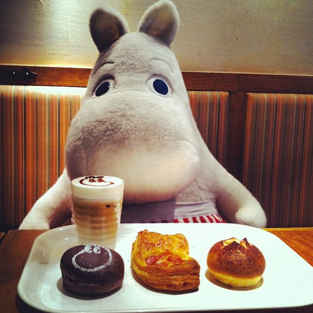 This Restaurant in Japan Gives Solo Diners Stuffed Animals