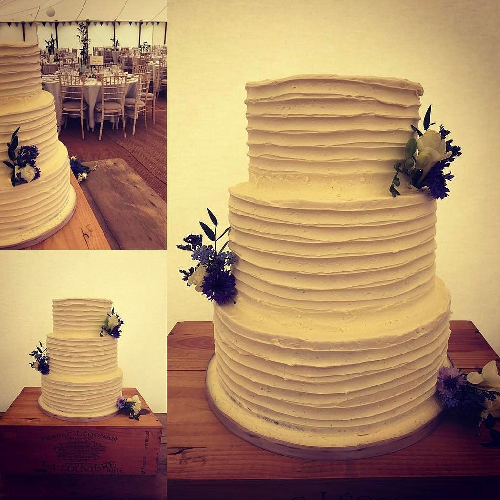 Today's cakes all set up! Congratulations Marcus and Laura... #weddingcakessomerset #weddingcakesdorset #wedding #marquee #marqueewedding #somerset #cake  #seminakedcake ##buttercream  #buttercreamcake #buttercreamcakes