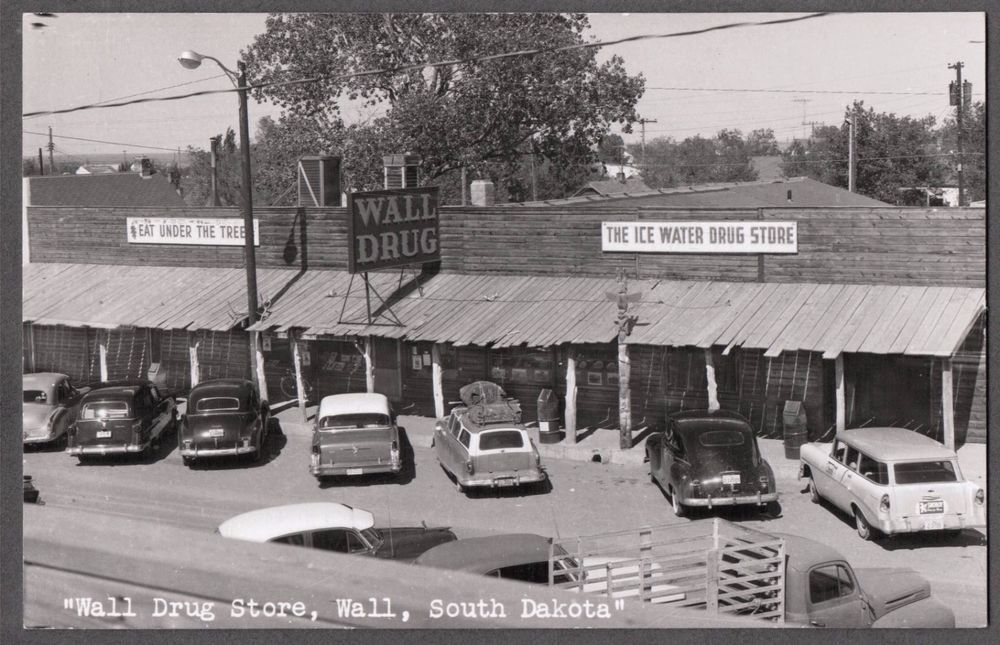 1950 rppc wall south dakota wall drug store snoboy on wall drug id=35190