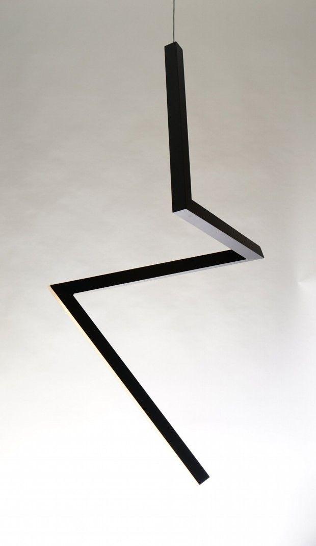 Ilanel, studio de design australien spécialisé dans l'éclairage, vient de nous envoyer sa dernière réalisation, un luminaire sculptural en forme d'éclair n