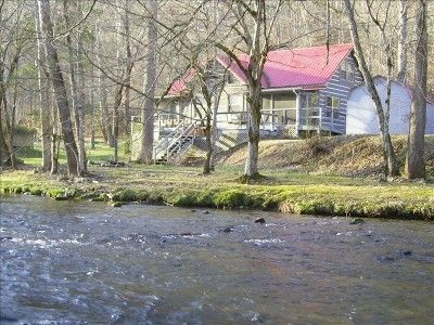 living waters cabin a rare find n the smokies fishing tubing