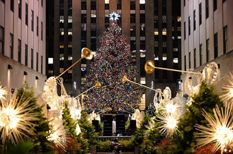 Big Apple – the huge Christmas tree