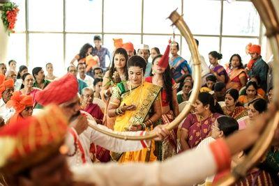 Sunny & Rachana - Studio Roopkala Sunny & Rachana - Studio Roopkala An amazing & lovely Maharashtrian Couple  An amazing & lovely #Maharashtrian #Couple  #bride #indian #asian #wedding #couple #southasianwedding #studioroopkala #makeup #saree  #mehendi #mehndi www,facebook.com/studio.roopkala