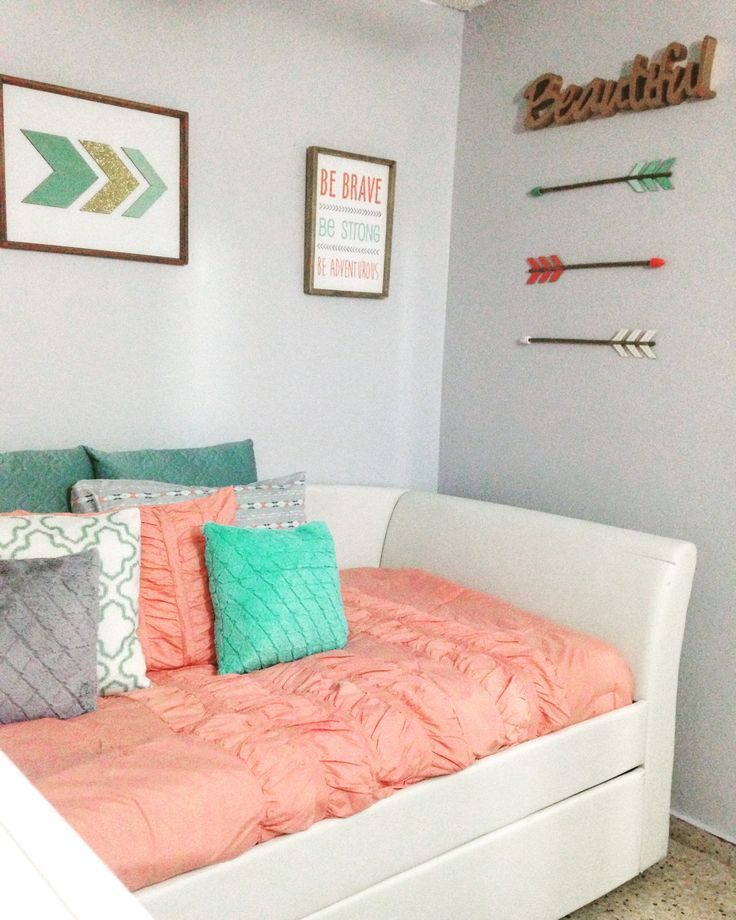 Teen S Bedroom With Feature Grey Wall And Monochrome Bed Linen: Coral, Teal, Grey And Gold