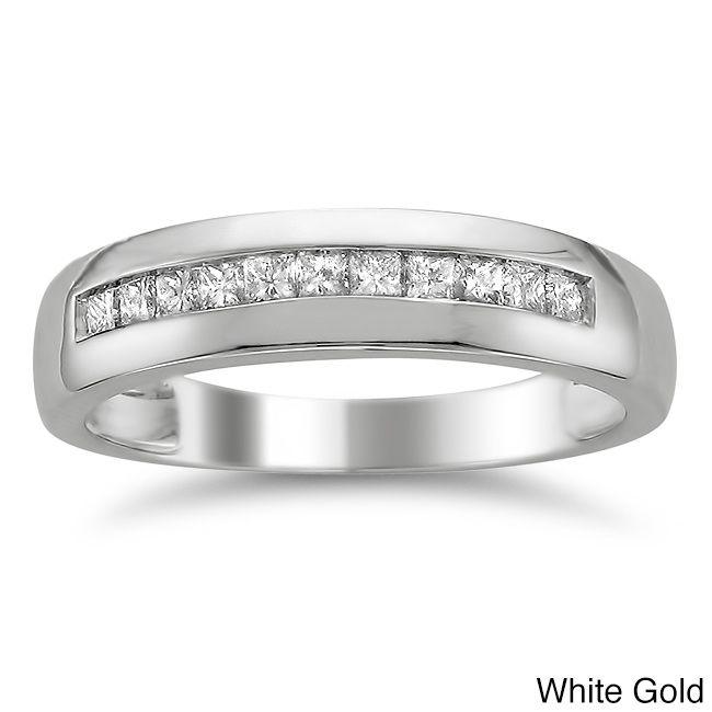<li>Princess-cut white diamond men's wedding band</li><li>14-karat white gold jewelry</li><li><a href='http://www.overstock.com/downloads/pdf/2010_RingSizing.pdf'><span class='links'>Click here for ring sizing guide</span></a></li>