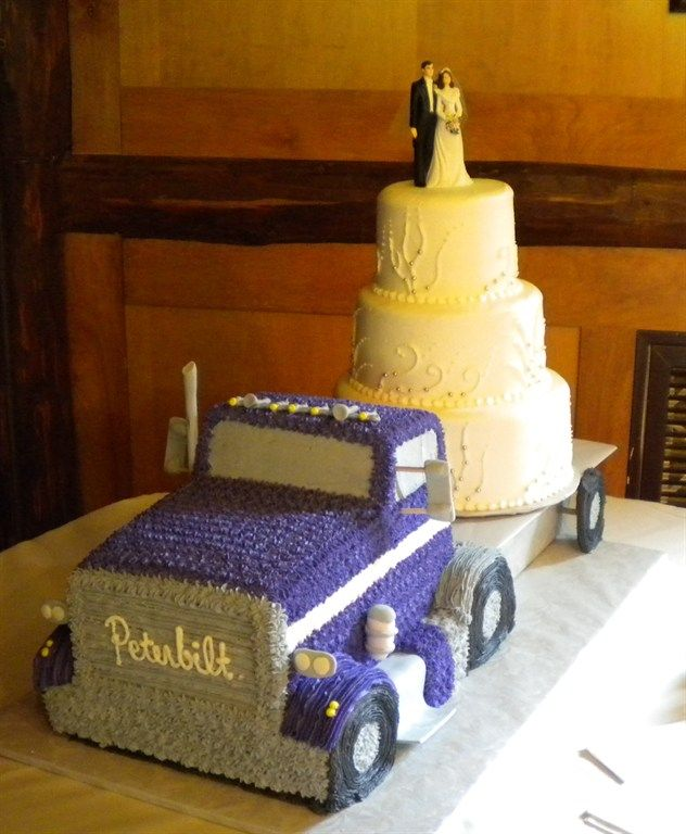 Peterbilt Wedding Cake Google Search With Images Semi Truck