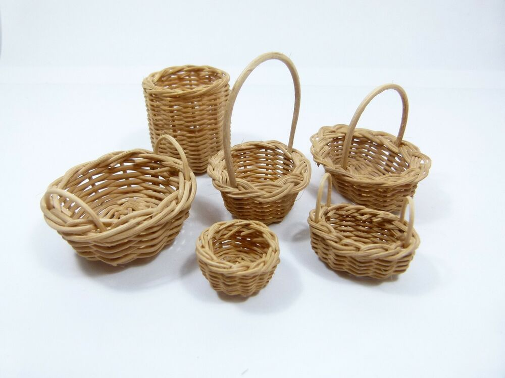 Dolls House Rustic Round Wicker Basket Miniature 1:12 Scale Accessory