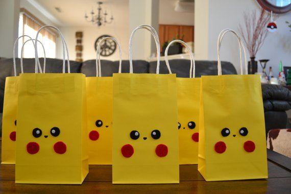 POKEMON PIKACHU FAVOR Bags