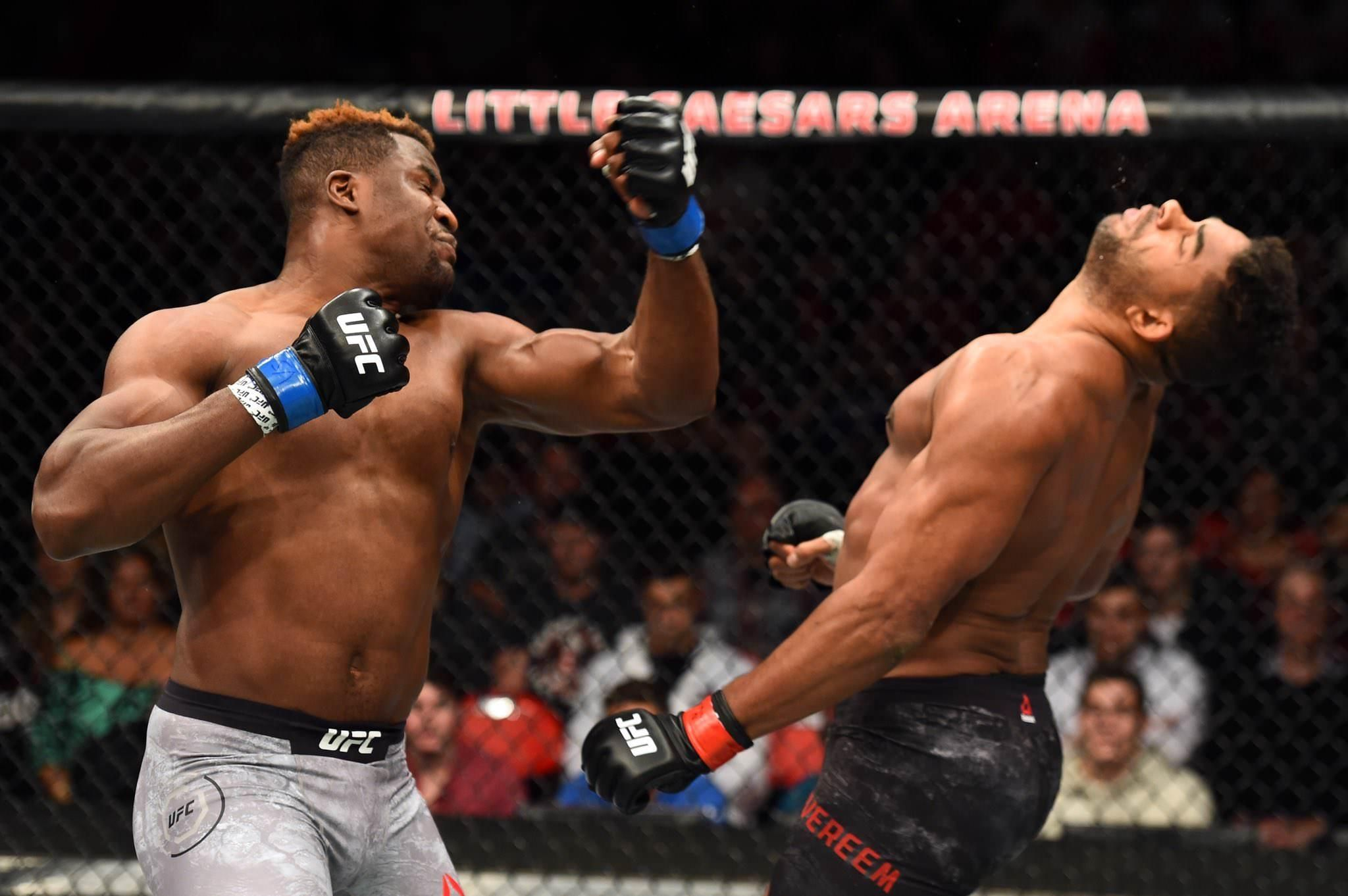 Spoiler Amazing Action Shot From Tonights Ufc Ufc Ufc Fighters Ufc Knockouts