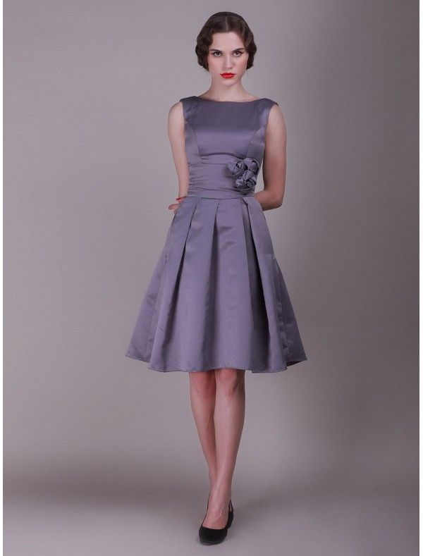 Taffeta Scoop Neckline A-Line Vintage Bridesmaid Dress with 3 ...