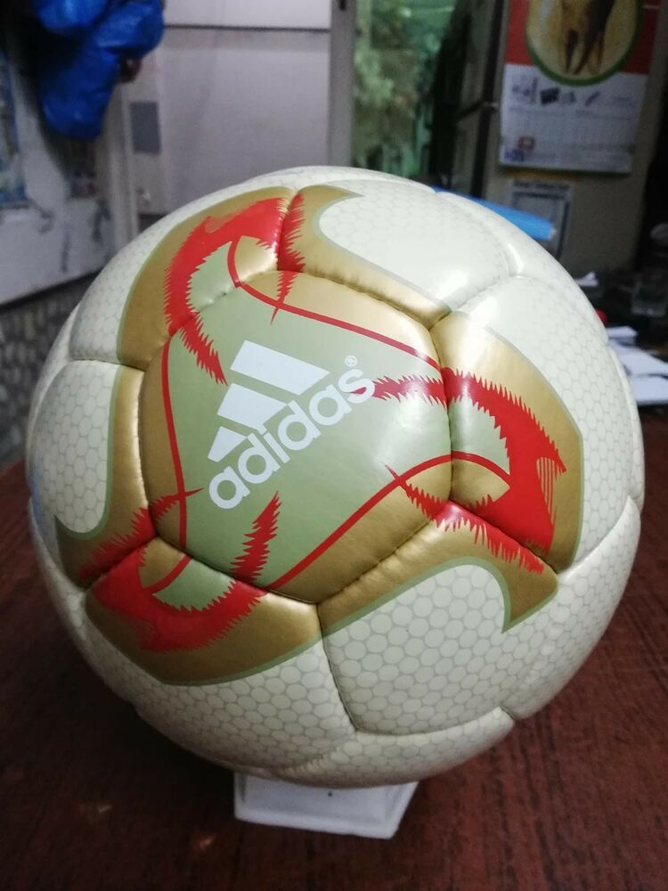 Adidas Fevernova Light Official Match Ball World Cup Soccer Ball 2002 No 5 Re Soccer Ball Soccer Ball