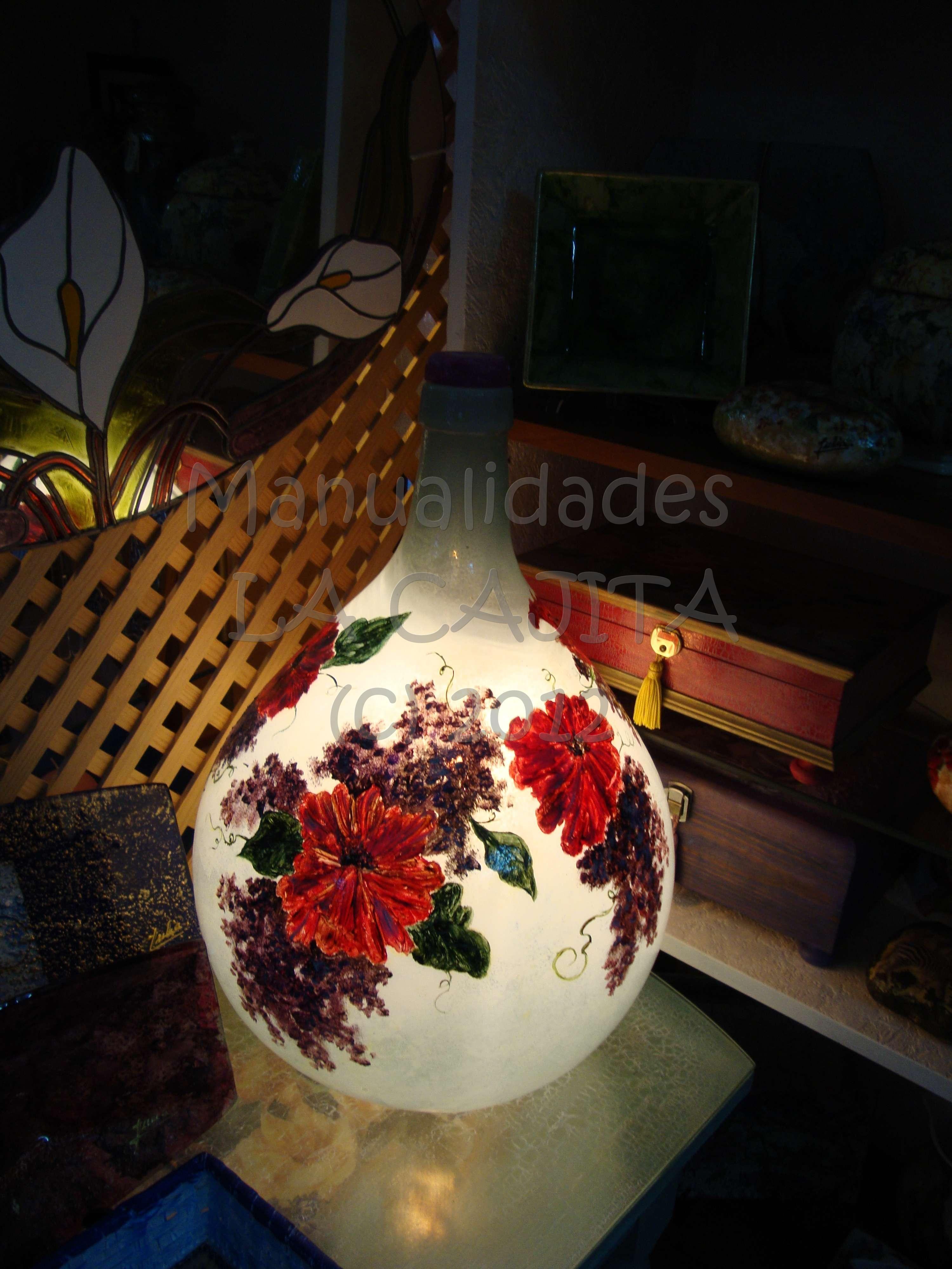 Frasca gigante de cristal decorada a mano con óleos y fondo frost (hielo) como lámpara.