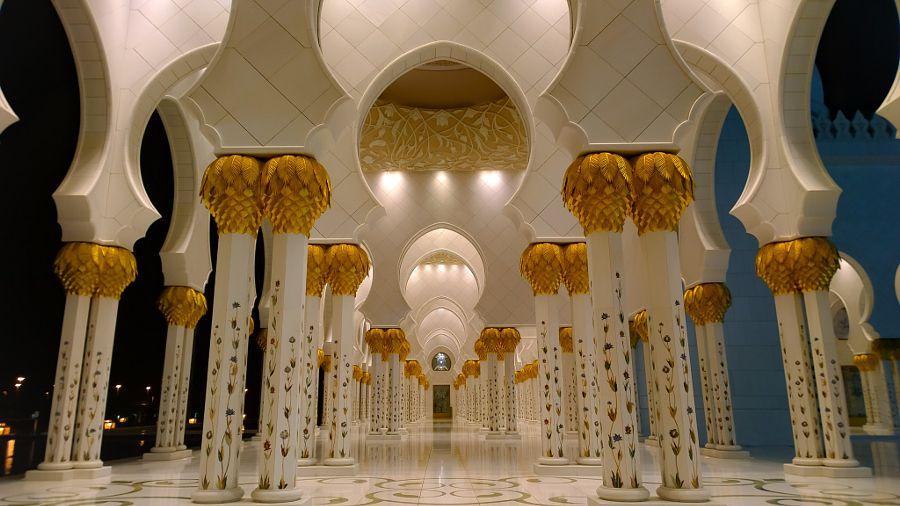 Sheikh Zayed Grand Mosque - Abu Dhabi  by mccrya - Photo 117231811 - 500px