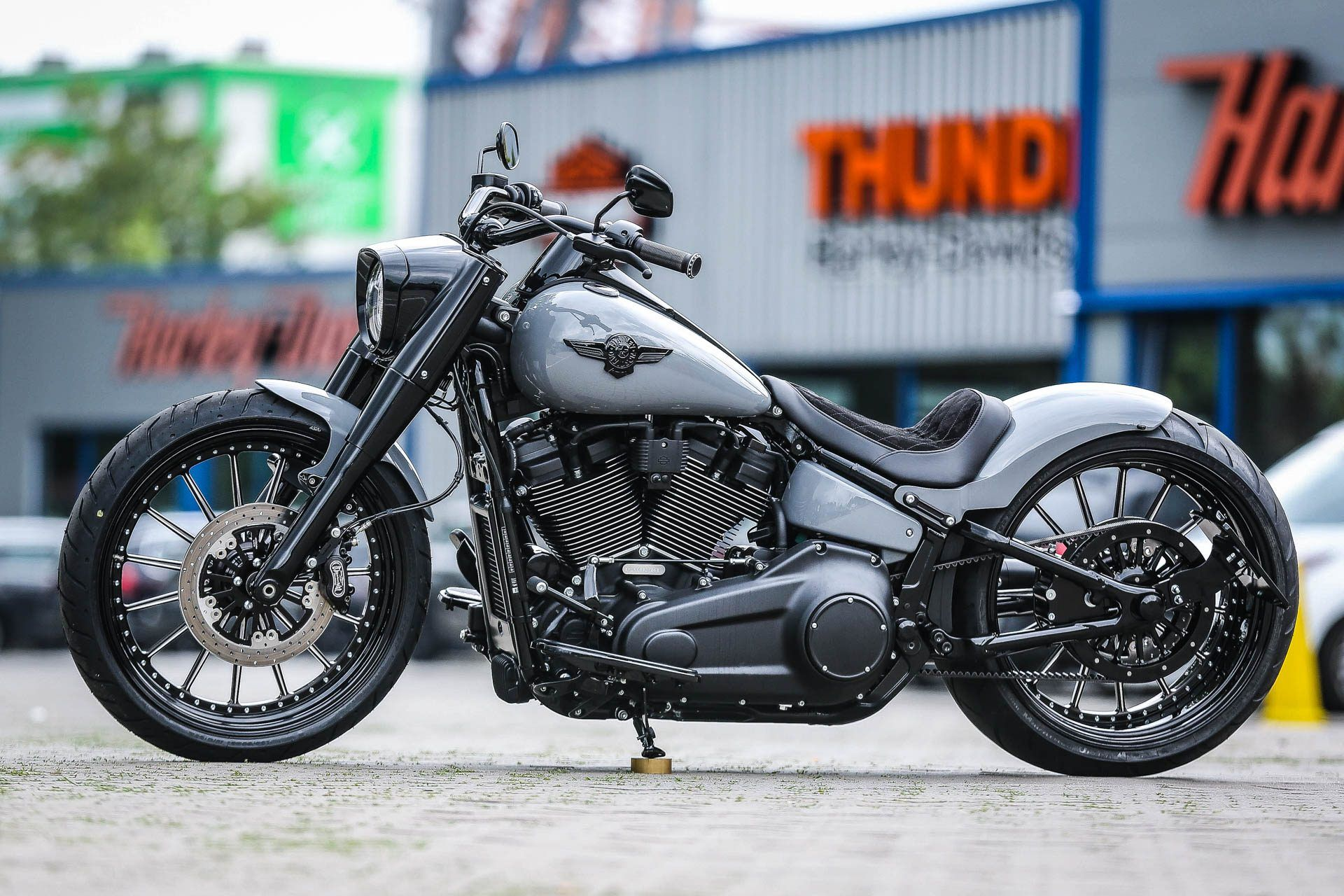 Thunderbike Big Nardo Custombike & Harley-Davidson Gallery
