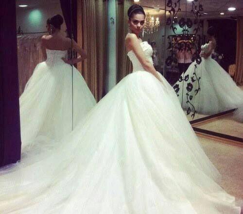 Luxurious Wedding Gown