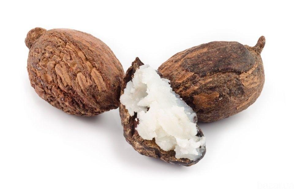 Свойства: - защищает кожу от вредного воздействия УФ лучей, благодаря присутствии karitene, витамина А и терпеновых спиртов, которые поглощают...