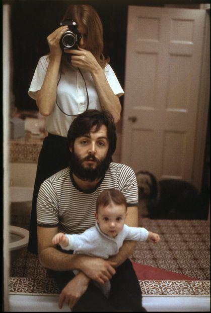 Linda Paul E Mary McCartney Por Londres 1969