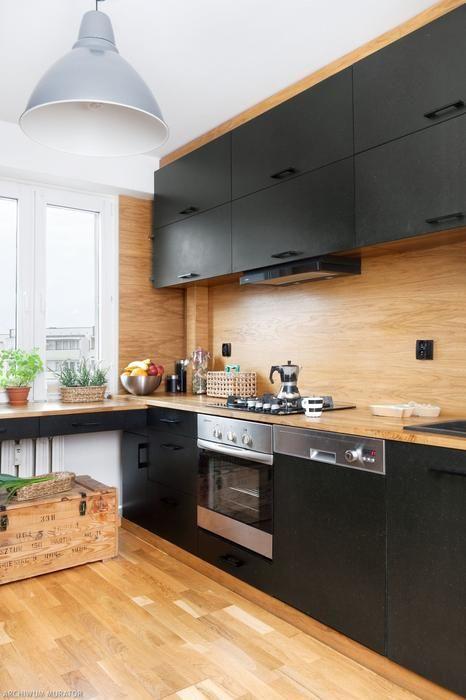 Czarna Kuchnia W Drewnie Kuchnia Pinterest Flats