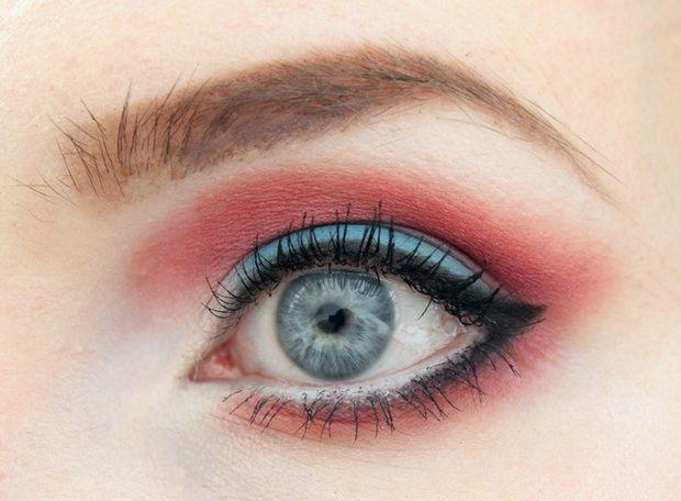elvira-mistress-of-the-dark-make-up-vegan-cruelty-free-red-blue-lunatick-labs-cosmetics-pretty-zombie-dahlia-halloween