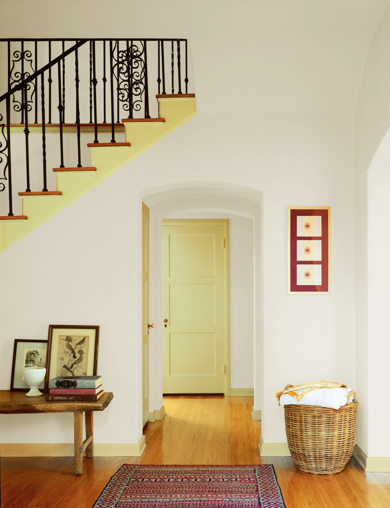 Dunn-Edwards Paints paint colors: Wall: Phoenix Villa DEW324; Trim ...