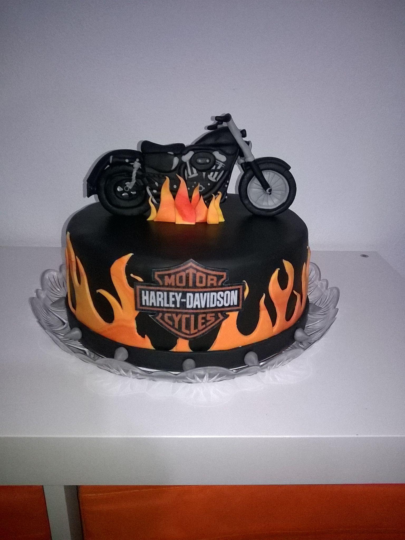 HarleyDavidson cake party Pinterest Harley davidson cake