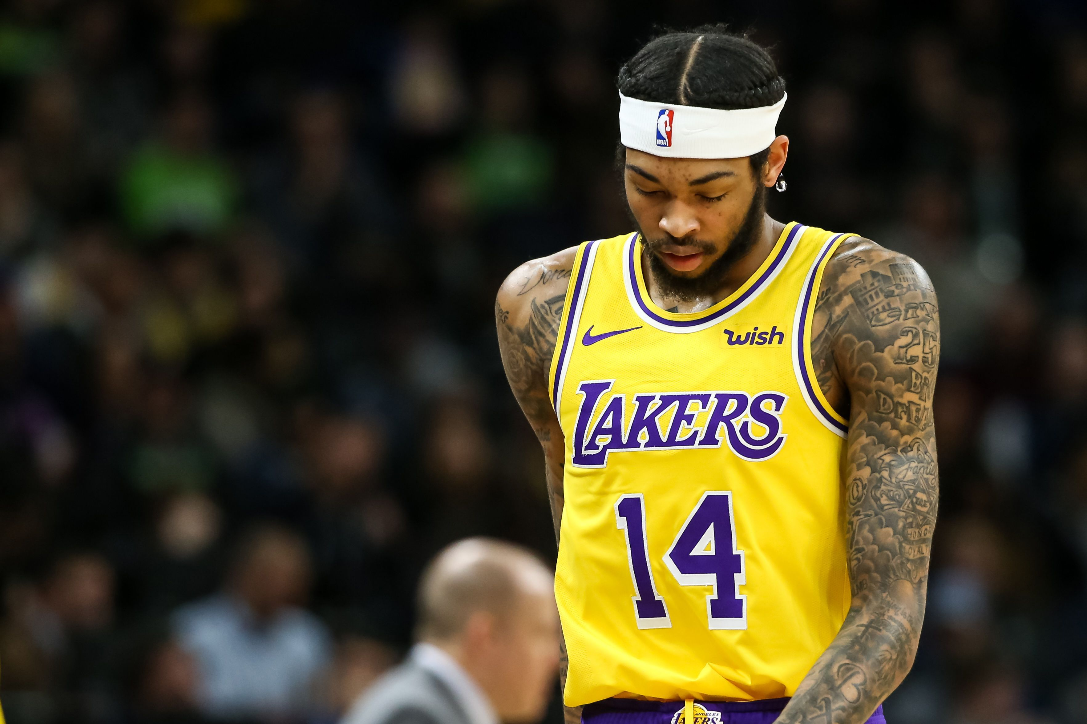 Lakers Struggles Without Lebron James Continue In Blowout Loss To T Wolves Lebron James Lebron Lakers