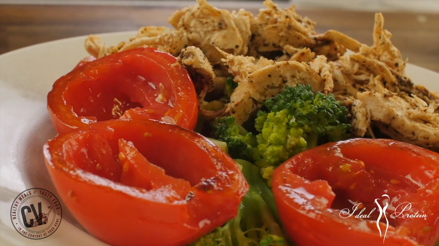 Chicken charred tomato &  broccoli salad. This Ideal Protein Phase 1 Recipe is delicious and is also great for Phase 2 and Phase 3. Ideal Protein Protocol helps you Lose weight fast and safely. #IdealProtein #idealproteinrecipesphase1dinner
