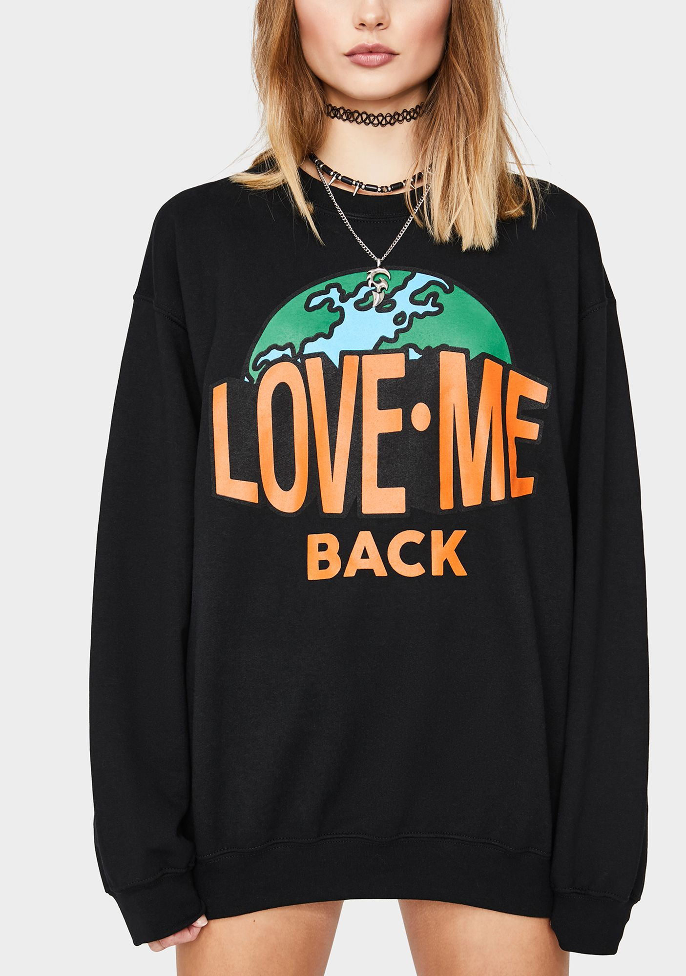 Love Me Back Crewneck Sweatshirt In 2021 Sweatshirts Crew Neck Sweatshirt Black Sweatshirts [ 2000 x 1405 Pixel ]