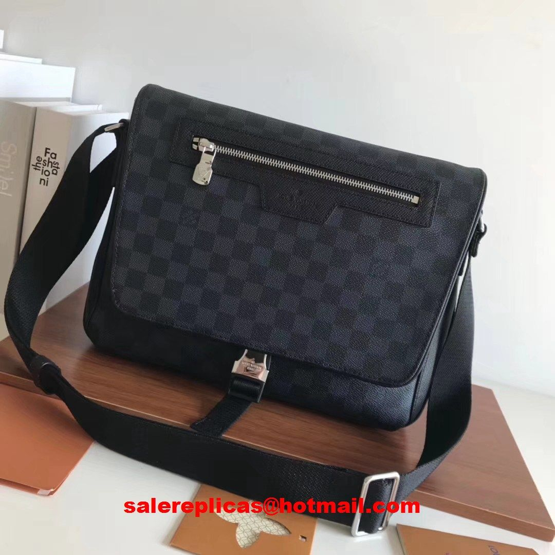 0d334f442d33 Louis Vuitton Matchpoint Messenger bag N40010