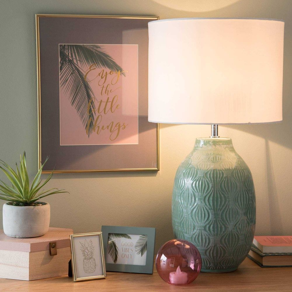 Lámpara De Cerámica Verde Con Pantalla Blanca Alao Maisons Du Monde