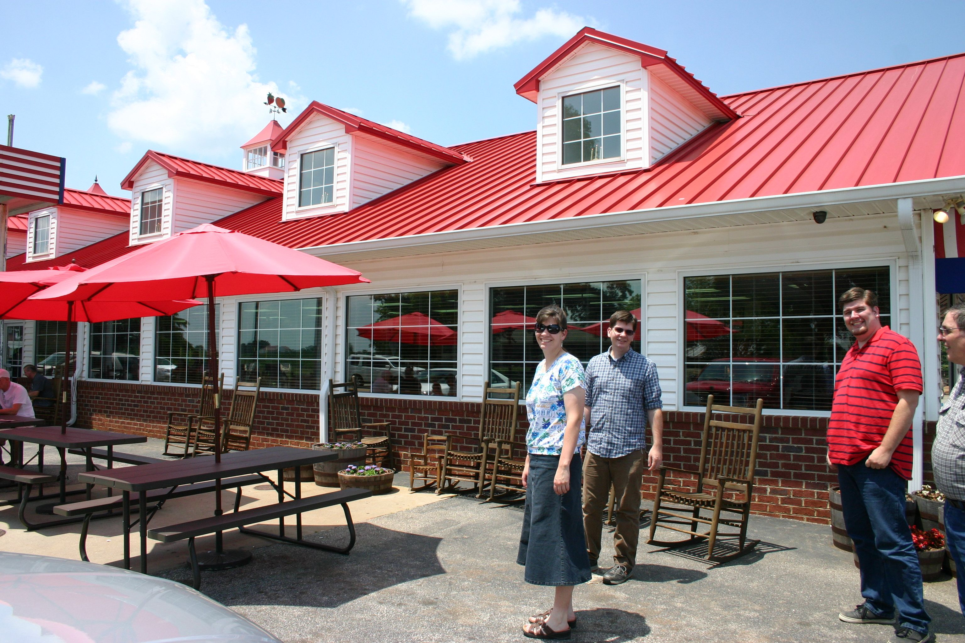 Strawberry Hill Near Scenic Hwy 11 And Gaffney Is Where We Ate While Site Seeing Spartanburg South Carolina Strawberry Hill Scenic