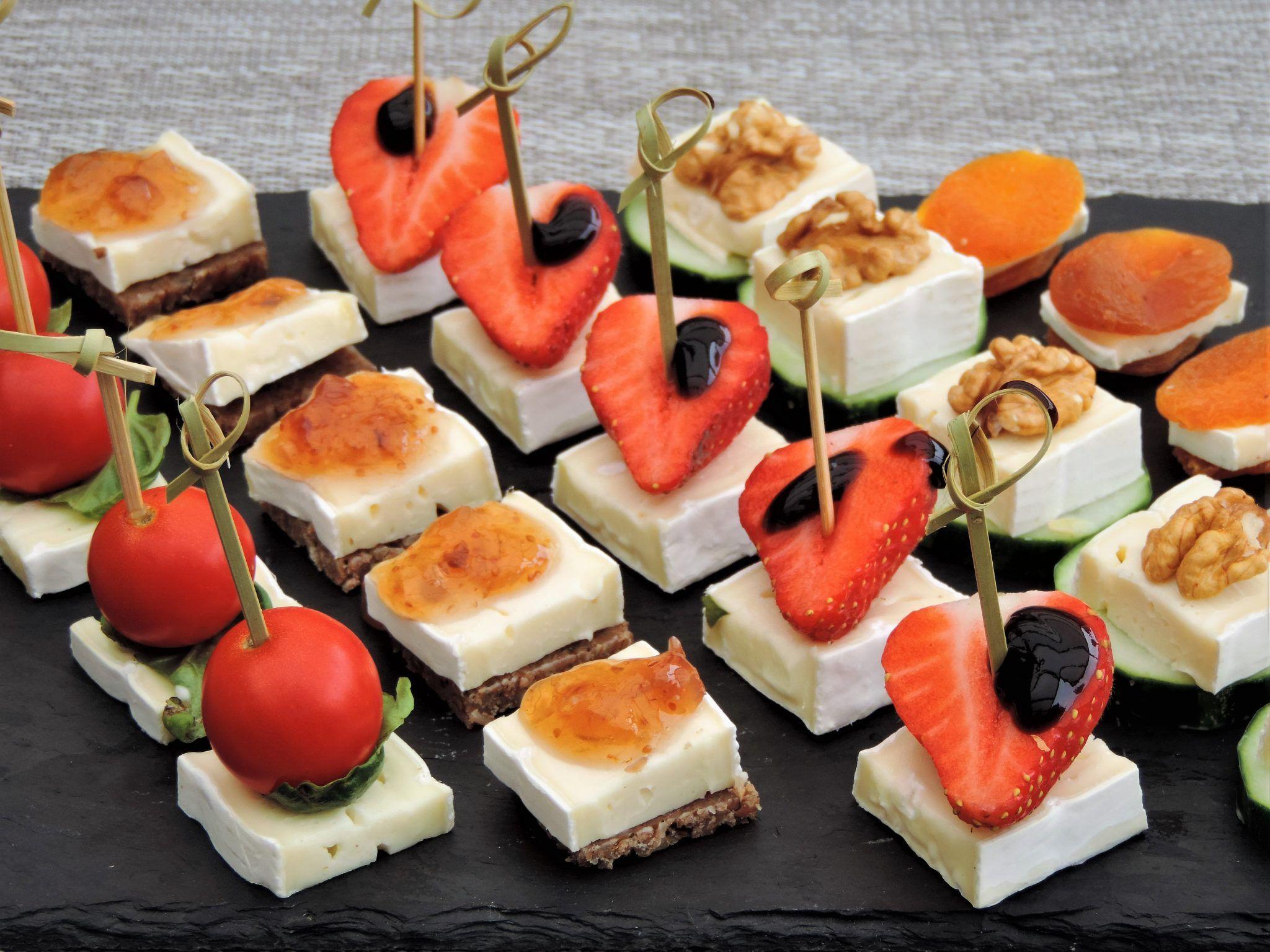 Hapjes met brie; Vijf ideeën voor de borreltafel #koudehapjes