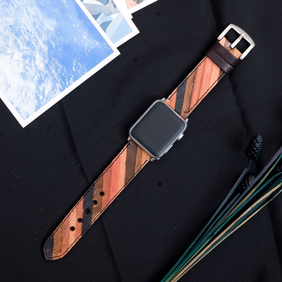 APPLE WATCH BAND LEATHER #Apple #AppleWatch #Lifestyle #Watch #minimal #minimalism #simplicity #luxury #fashion #beautiful #AppleWatchSeries3 #AppleWatchSport #AppleWatchEdition #AppleWatchNikePlus #ApplePencil #NikeLab #Watches #Series3 #iPhone #iPhone8 #iPhoneX #watchOS4 #AppleHub #gift #giftsforhim #giftsforher #applewatchband #watchband #iphonecase #leather #leatherwatchband
